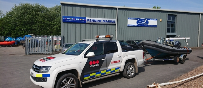 pennine marine offer the full rnage of bunked & roller boat trailers from a range of uk maufacturers such as indepension, sbs, snipe and indespension. pennine marine offer boat trailers for ribs, fishings boats, cruisers, yachts, dispacement boats, trailer boats, portable bpats and really any type of boat trailer you want.pennine marine offe both new and used and secondhand boat trailers for sale in th uk, alla t great prices and with good sales service etc. We offer for sale new and used single axle boat